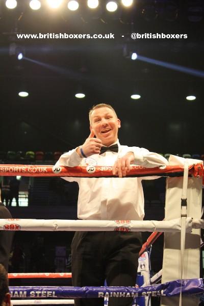 referee boxing