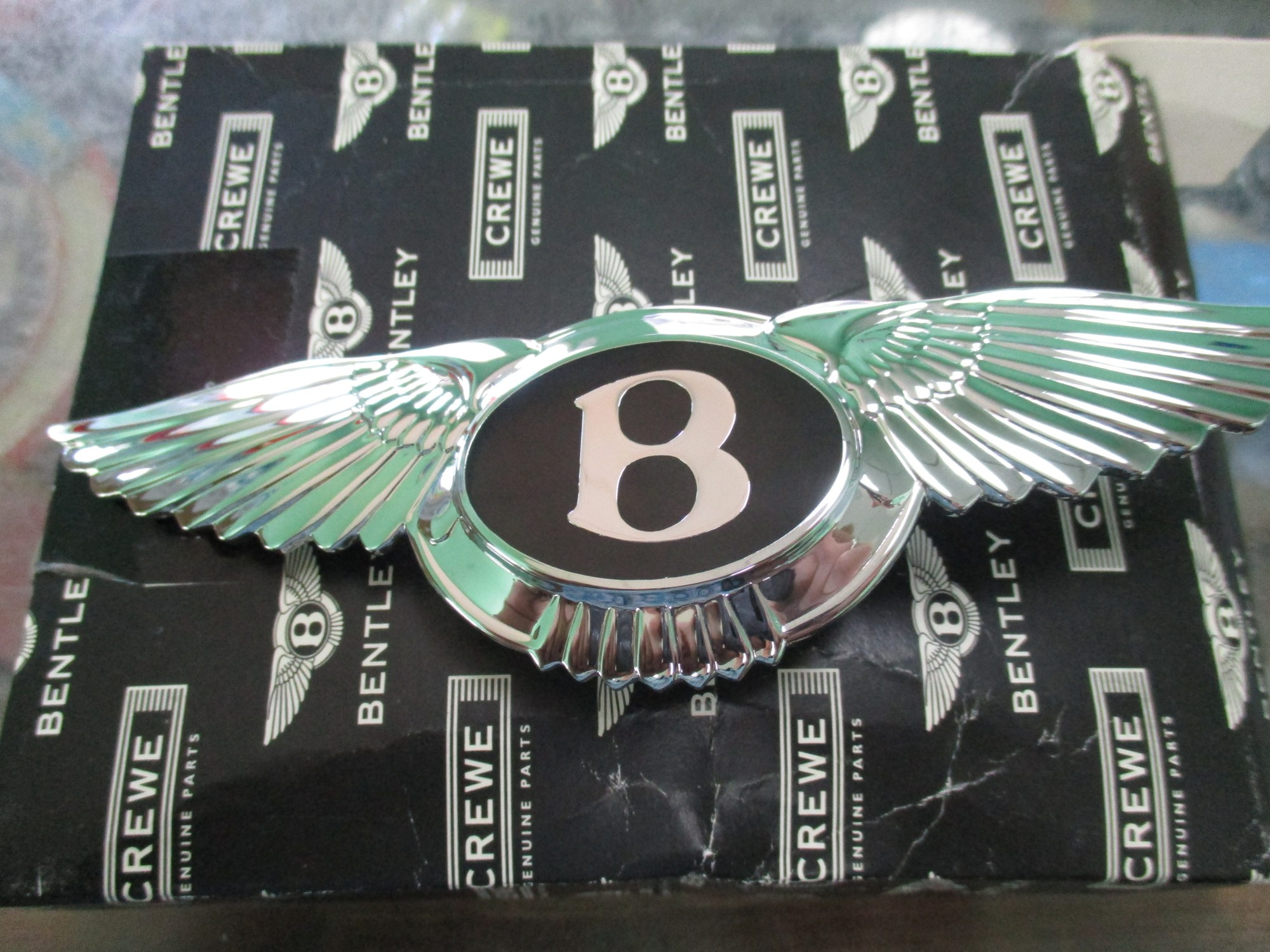 hight resolution of  photo of a bentley bumper badge