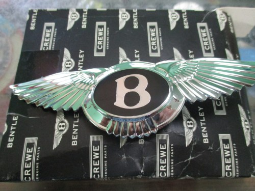 small resolution of  photo of a bentley bumper badge