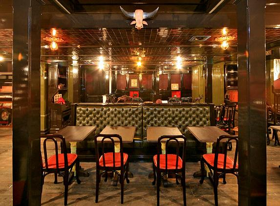 A British Bar Boomlet In New York The Breslin