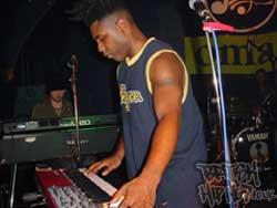 Omar Live in Ascot 2003
