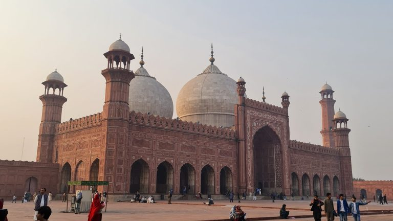 Once the largest Masjid in the World – Badshahi Masjid
