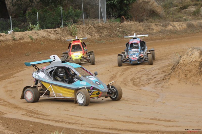 Carlos Arco se lleva el triunfo y el liderato entre los Turismos en el X Autocross de Esplús