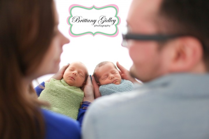 Twin Newborn Family Pictures | Brittany Gidley Photography LLC