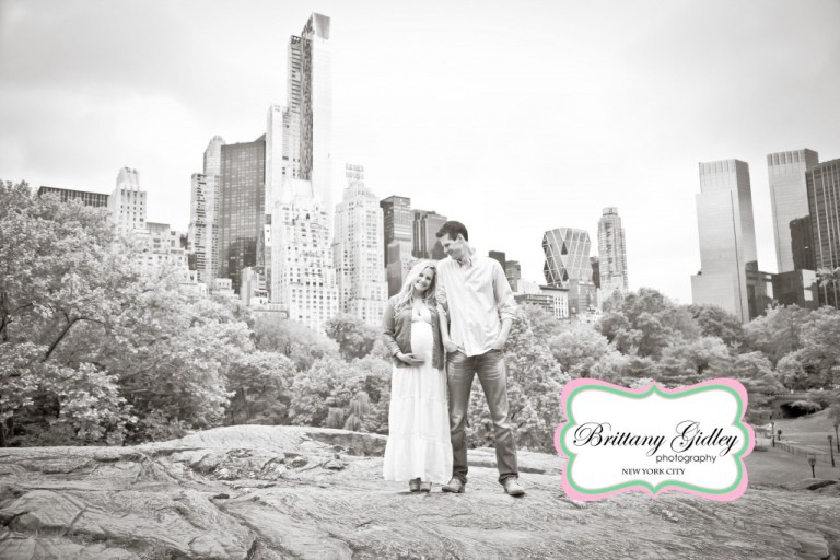 Central Park Pregnancy | NYC | Brittany Gidley Photography LLC