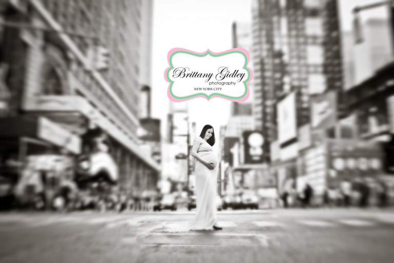 Maternity | New York City | Times Square | Brittany Gidley Photography LLC