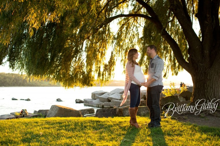 Golden Hour Maternity | Edgewater Park | Cleveland OH |Maternity Session | Brittany Gidley Photography LLC | Maternity Posing Inspiration | Posing | Pregnancy