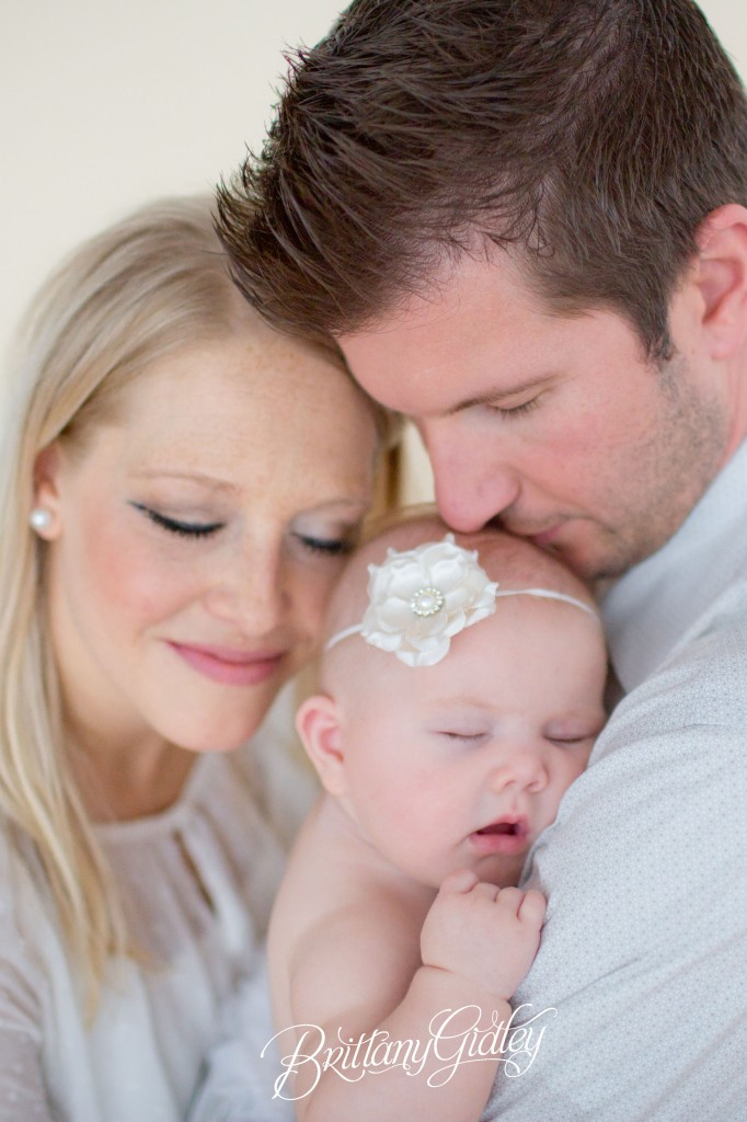 4 Month Baby | Family | Mom and Baby | Dad and Baby | Adorable | Neutrals | Brittany Gidley Photography LLC