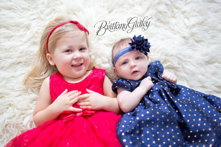 Cleveland Christmas Mini Sessions | Brittany Gidley Photography LLC | Start With The Best www.brittanygidleyphotography.com