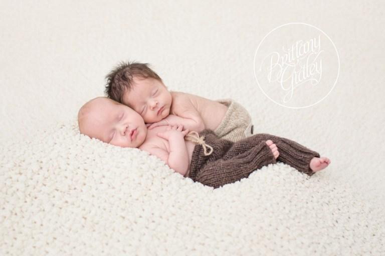 Twin Newborn Photographer | Twin Newborn Photography | Cleveland Newborn Photographer | Cleveland Newborn Photography | Twin Newborn Inspiration