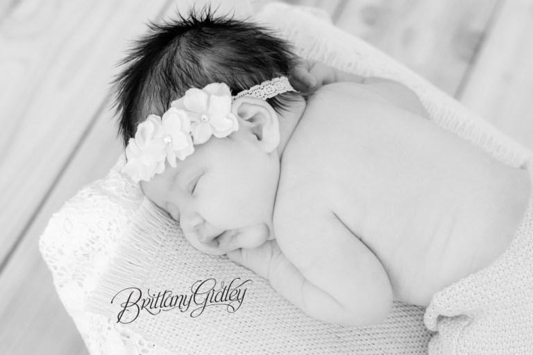 Newborn Photographer Cleveland | Cleveland Newborn Photographer | Photography | Newborn | Newborn Posing | Newborn Inspiration | Cleveland Ohio | Cleveland Photographer
