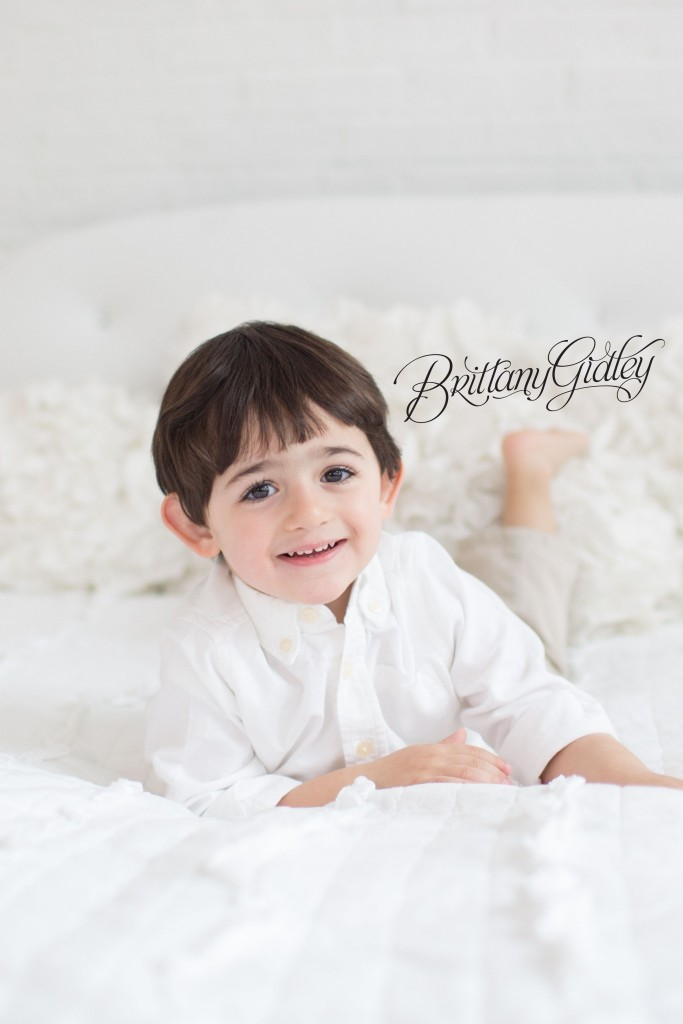 Child Photography | Cleveland, Ohio | Child Photo Shoot | Child Photographer | Cream & White | Brittany Gidley Photography LLC