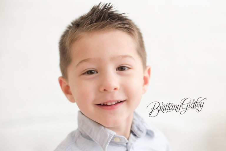 Big Brother | Natural Light Studio | Best Child Photographer | Cleveland, Ohio