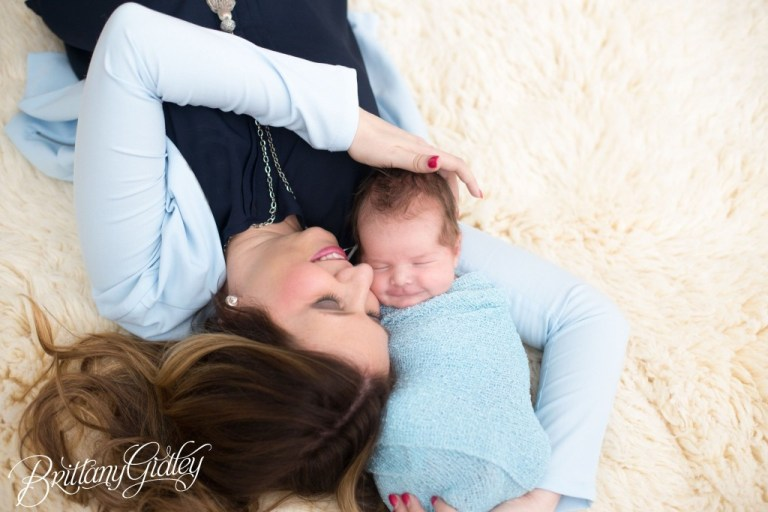 Mother and Newborn | Natural Light Studio | Best Child Photographer | Cleveland, Ohio