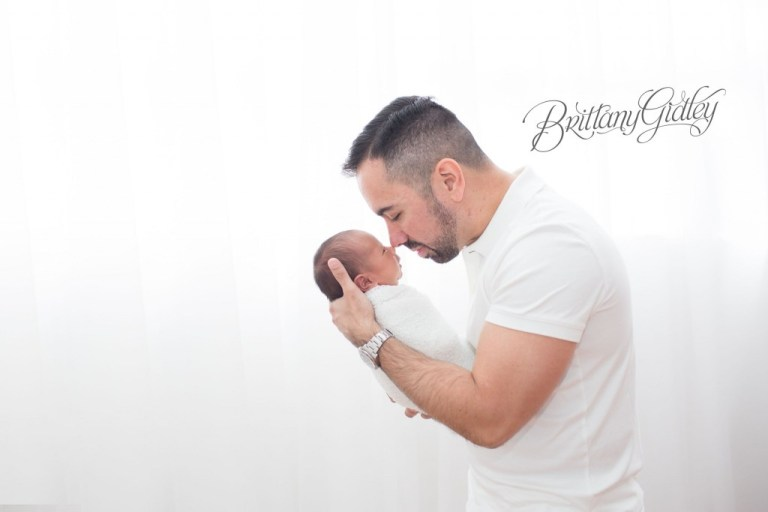 Newborn Photography | Baby and Daddy | Studio | Natural Light | Start With The Best | Brittany Gidley Photography LLC