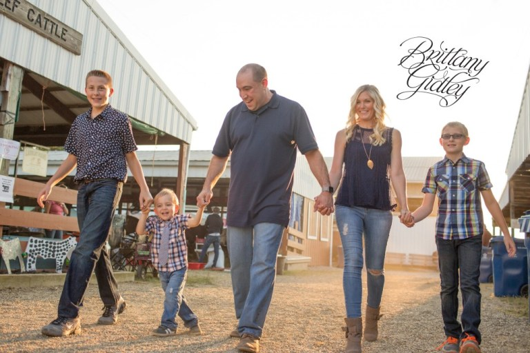 County Fair Photo Shoot | Carnival | Fair | Photography at County Fair | Family Pictures