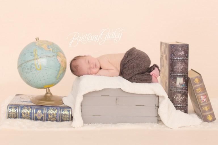 Travel Themed Nursery | Newborn Baby Photos | Family | Baby Boy | Cleveland Ohio