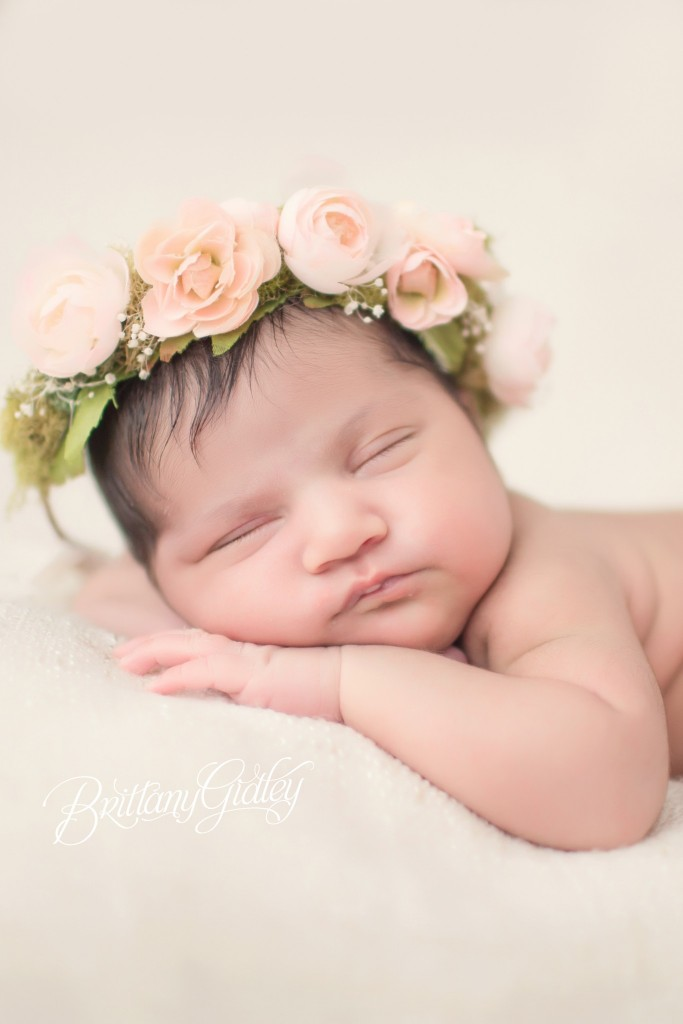 Family Newborn Photographer | Newborn Baby Girl