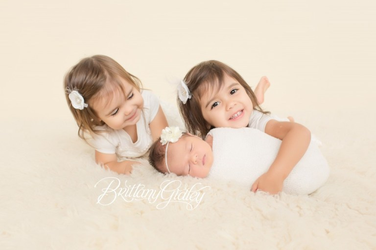 Cleveland Newborn Photographer | 3 Sisters | Newborn Photography Inspiration | Start With The Best | Brittany Gidley Photography LLC