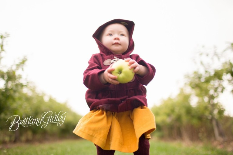 Apple Orchard Cleveland Ohio | Photo Shoot | 12 Month Baby