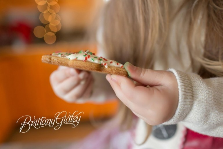Christmas Traditions | Christmas Cookies | Cleveland Ohio | Start With The Best | Dream Session | Lifestyle Photography | Brittany Gidley Photography LLC