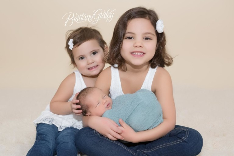 Newborn Photographer | Cleveland Ohio | Newborn Baby Boy | Big Sisters | Photo Shoot