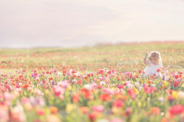 Burnside Farms Virginia   Tulip Field Photo Shoot   Child Photographer   Child Photography   Styled Shoot
