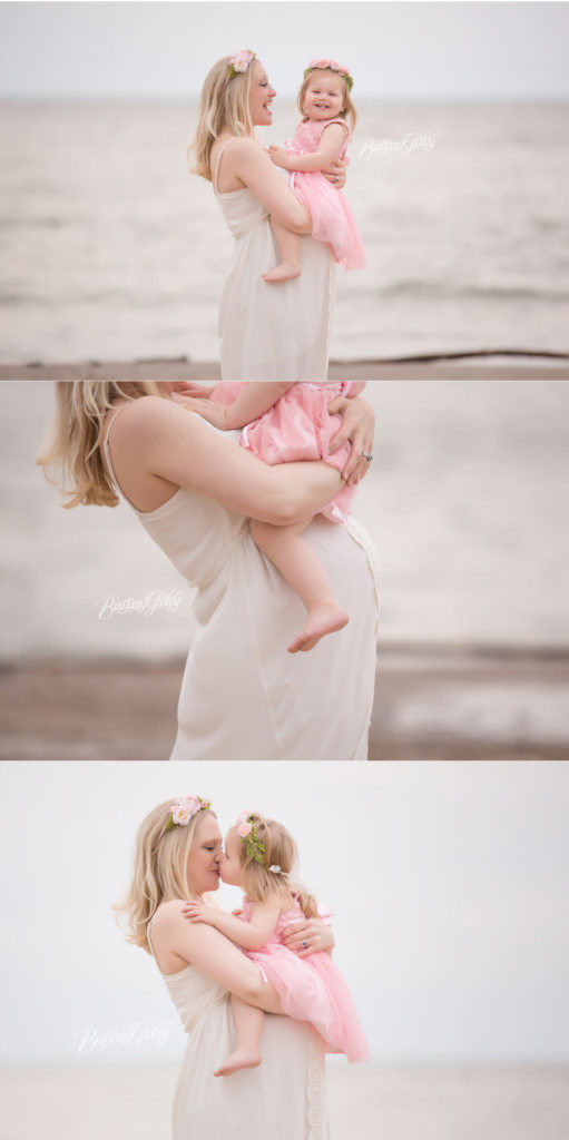 Beach Maternity Pictures | Family | Edgewater Beach Park | Cleveland Ohio