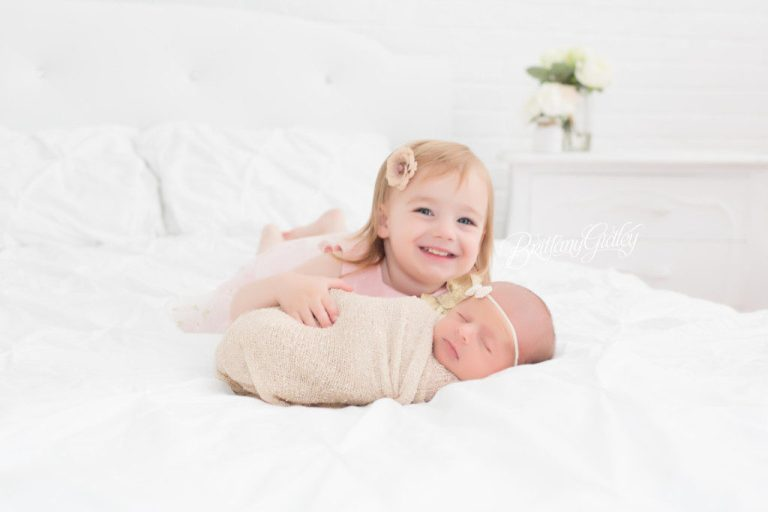 Cleveland Newborn Photographer | Cleveland Ohio Newborn Photography | Cleveland Ohio Newborn Photographer | Start With The Best | Brittany Gidley Photography
