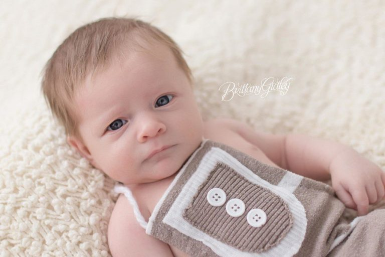 Newborn Baby | 1 Month Old Baby | 4 Week Old Newborn