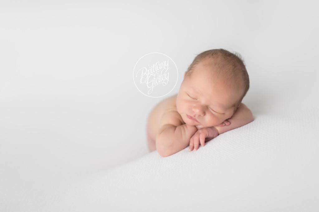 Newborn Photographer | Introducing Thomas