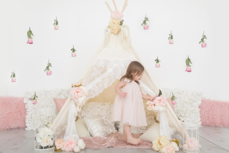 Dream Session | Boho Teepee | Roses | Start With The Best | Cleveland Baby Photographer | www.brittanygidley.com