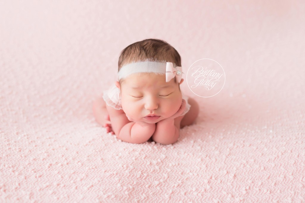 Newborn Girl Pictures | Introducing Kiley