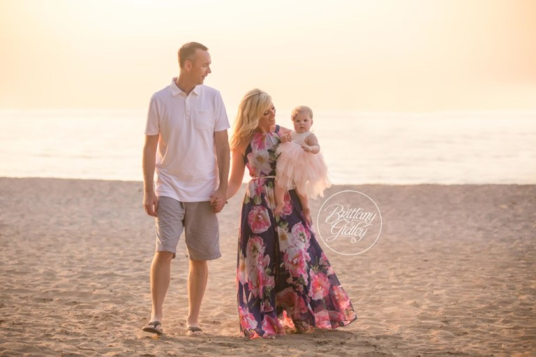 Edgewater Beach Family Photo Shoot | Start With The Best | Cleveland Ohio Baby Photographer | Beach Photo Shoot 12 Month Baby
