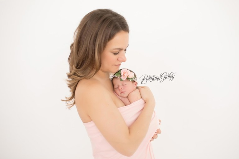Gates Mills Baby Photographer | Gates Mills Baby Photography | Newborn Portraits | Best Newborn