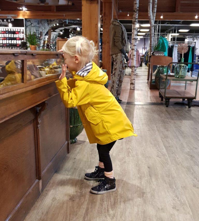 met-je-beperkte-kind-schoenen-kopen
