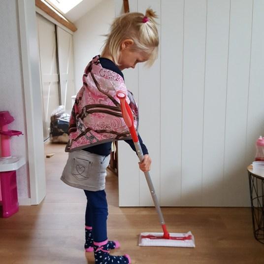 SEPTEMBER 2017 - mama helpen met opruimen