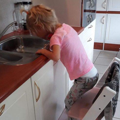 Ik help je wel afwassen oma!