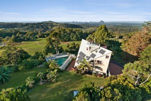 73 Mountain View Road, Maleny QLD 4552