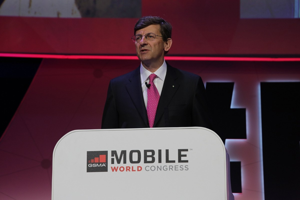 Vodafone-Liberty deal would be blocked by regulator - D.Telekom CEO