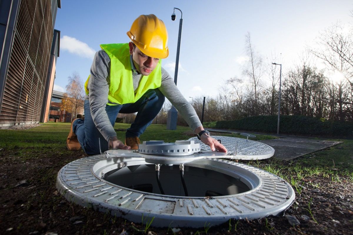 5G manhole covers put 4G into Victorian cities
