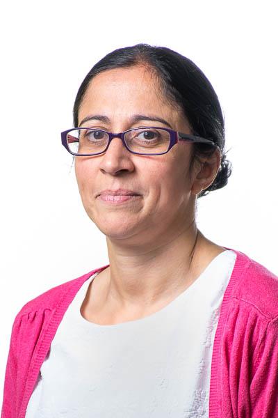 Mrs Khan<br>(Teacher)