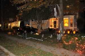 2015 - Halloween Decorating Contest 064