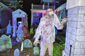 2015 - Halloween Decorating Contest 174