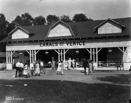 Broad_Ripple_Park_Canals_of_Venice_attraction_1925_Bass_