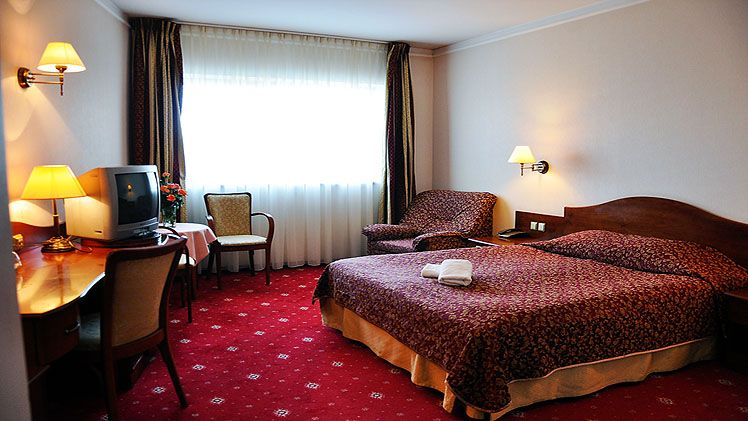 Sympozjum Hotel Spa Krakow Holidays To Poland Broadway