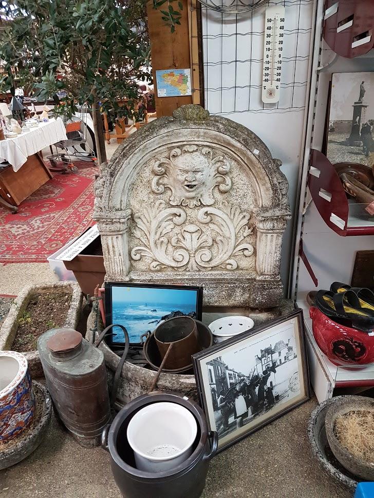 Brocante Saint Michel Plozevet objets anciens