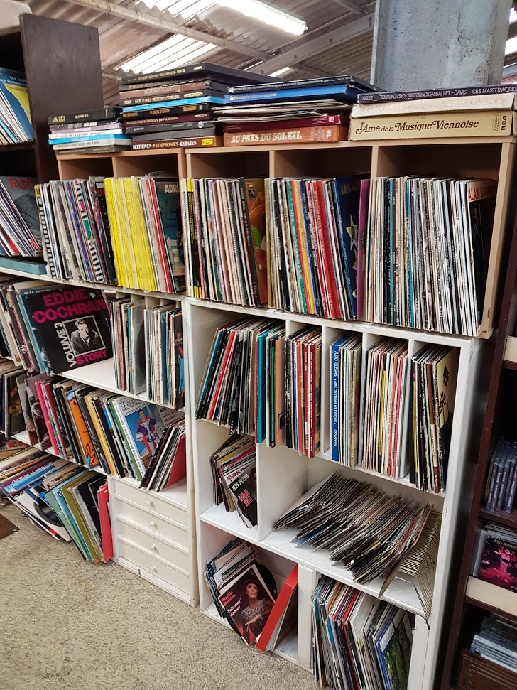 Brocante Saint Michel Plozevet musique vinyle