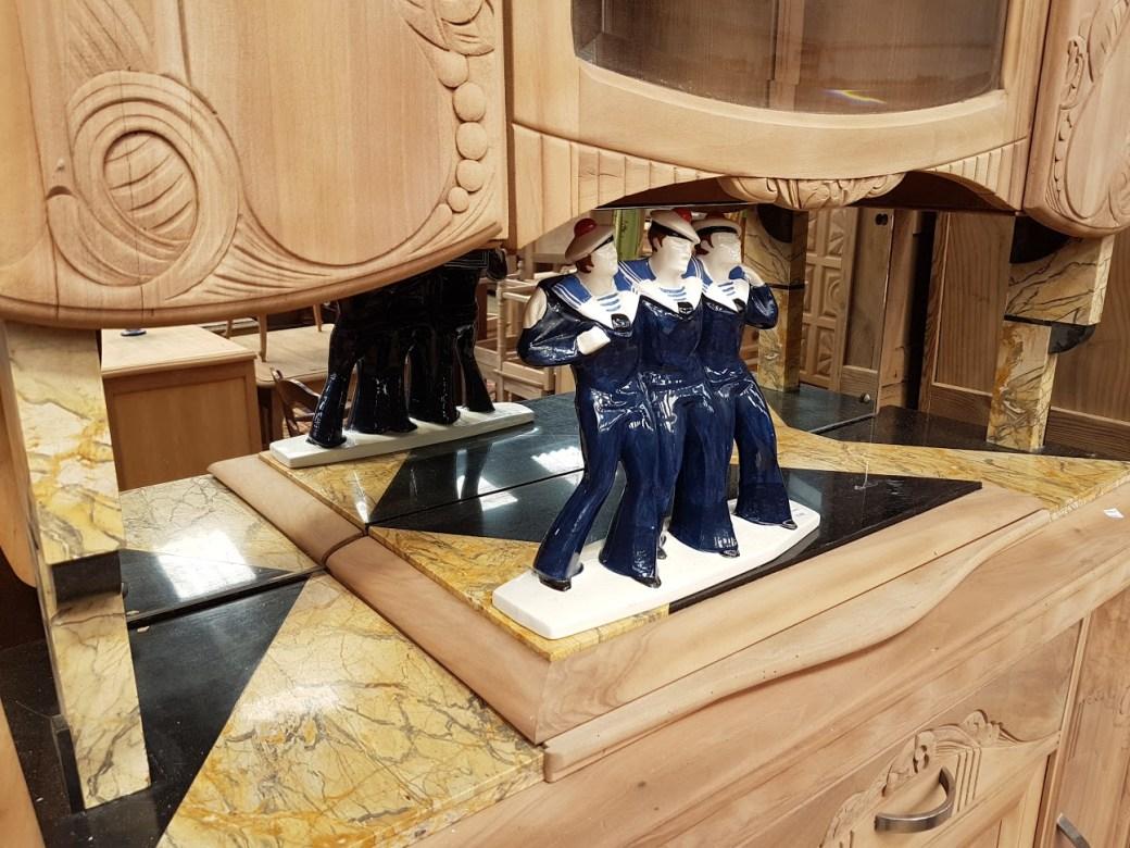 Brocante Saint Michel Plozevet meuble-bois-marin-porcelaine