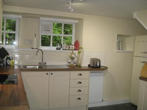 Smeg and kitchen Brockstone